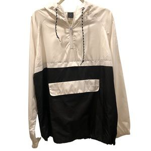 Zine White and Black Windbreaker with Hoodie L.